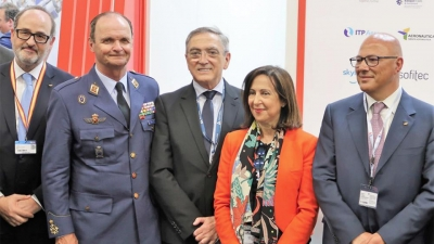 Primera jornada en Paris Air Show